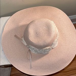 NWOT blush sun hat white flowers and bow